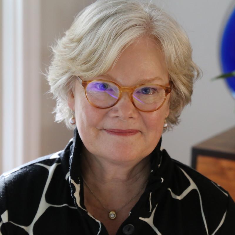 Lydia Dobyns